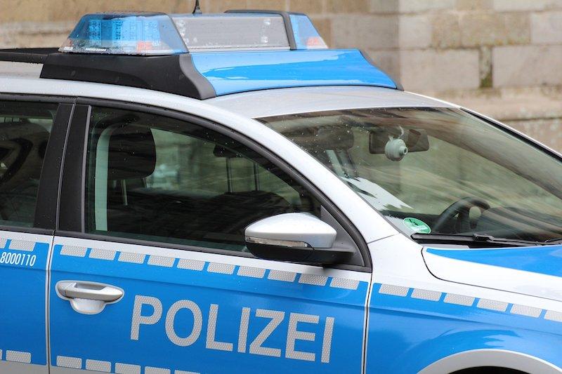 Seitenansicht eines Polizeiautos