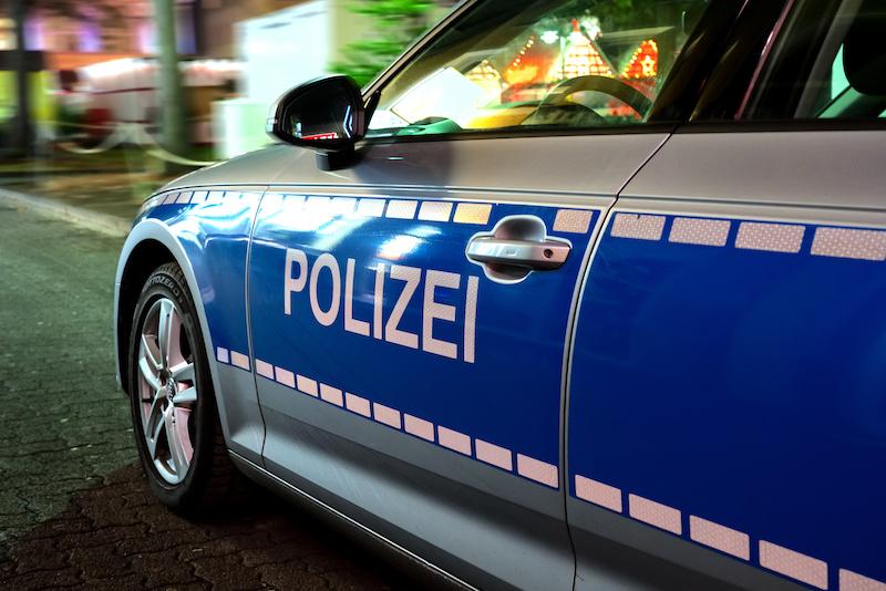 Seitenaufnahme eines Polizeiautos