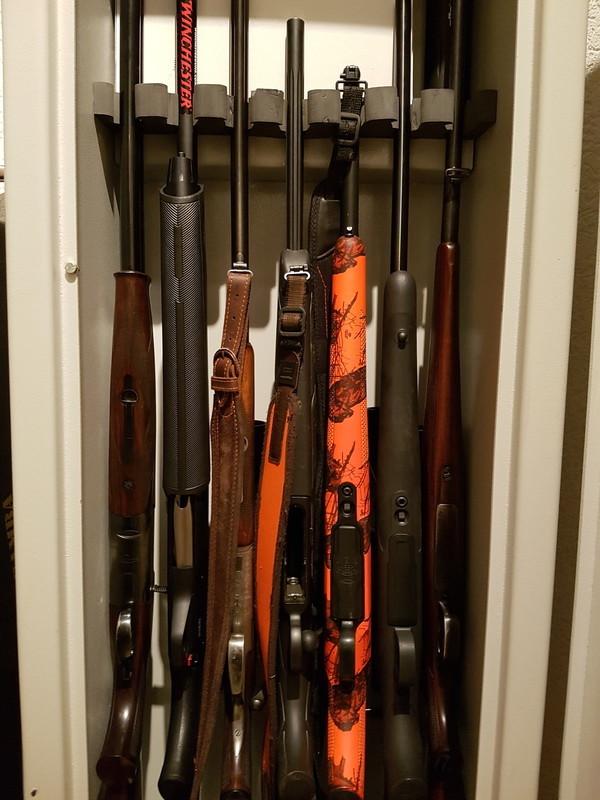 Tresor mit Langwaffen